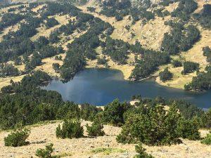 vue du lac des camporeils depuis la serre de mauri